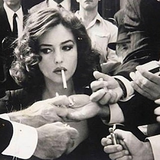 femme fatale cigarette
